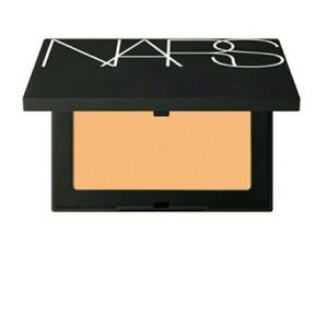 *2/$27* NARS Soft Velvet Pressed Powder - Mountain